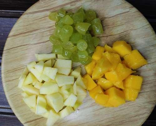 fruits for custard